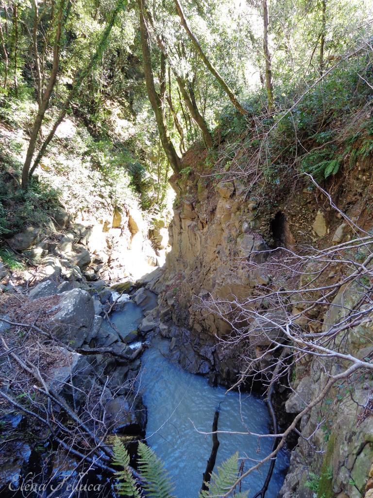 Bracciano, Vicarello, particolare cunicolo lungo la parete del Fosso di Monte Sassano-Fosso delle Ferriere.