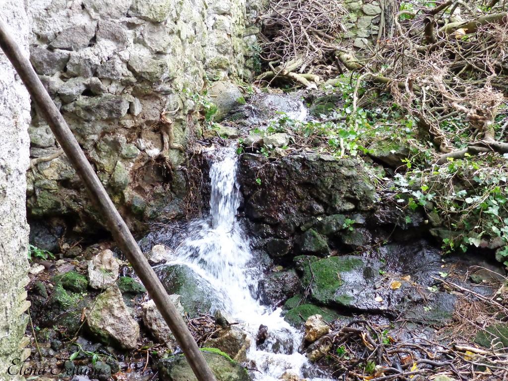 Acquedotto Odescalchi, via della catena, sesta ferriera.