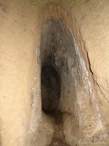 Cunicolo di epoca etrusca all'interno del pozzo, Grotta Camina - Palo bucato.