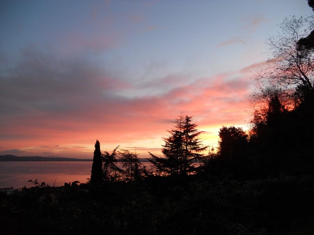 Lago Sabatino, veduta da Bracciano. Dicembre 2012.