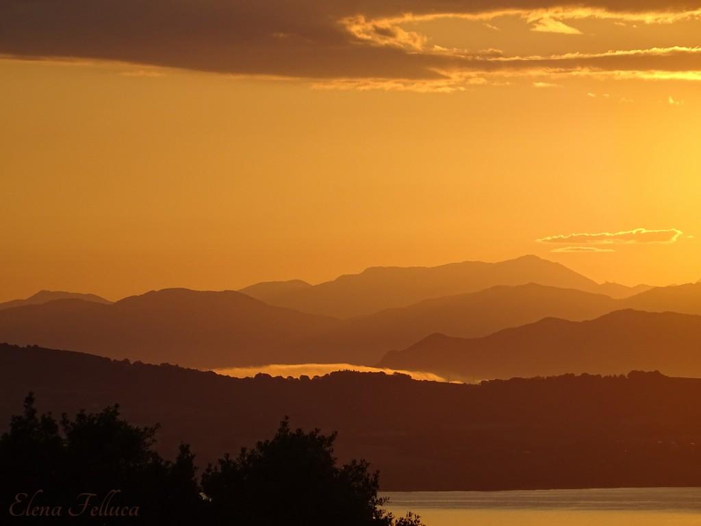Lago Sabatino, veduta da Bracciano. Giugno 2020.