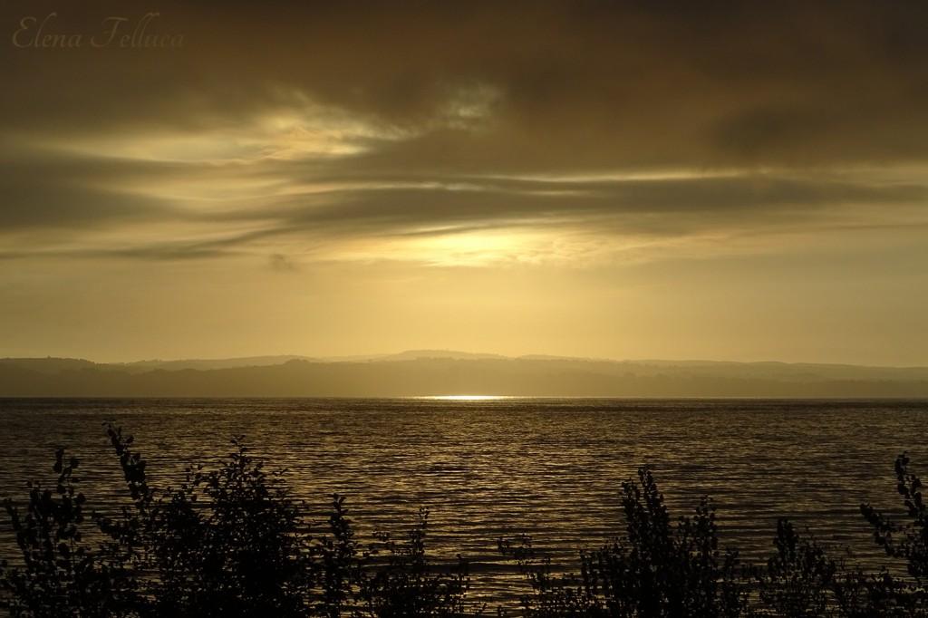 Lago Sabatino, veduta da Bracciano. Luglio 2020.